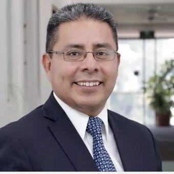 Dr. Robert Hernández Martínez